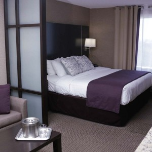 king-suite-room